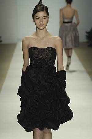 Monique Lhuillier </p> <p>Fall 2006&#8243; /><br /><font size=