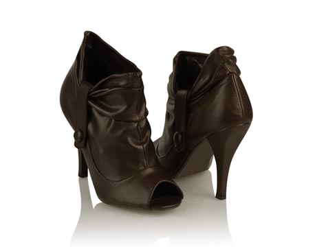 peep-toe-boot-pump_030809
