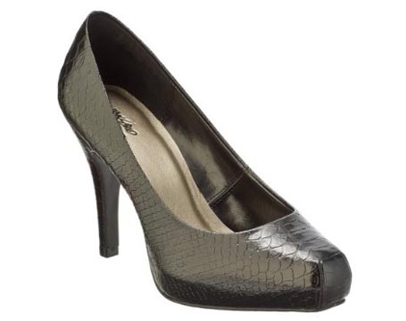 vassie-snip-toe-pumps_100309